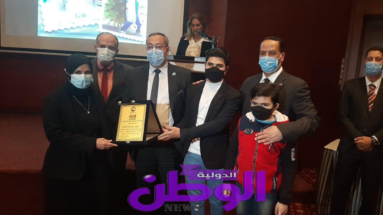 مستقبل وطن بالإسكندرية يكرم الأطقم الطبية بالمحافظة على جهودهم لمكافحة كورونا